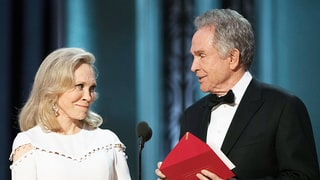 Faye Dunaway on Warren Beatty's Epic Oscars 2017 Flub: 'Thank God There Were Two of Us Up There'