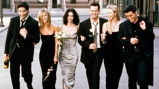 'Friends' Cast Reunites in an Amazing Group Photo, But One Star's Missing