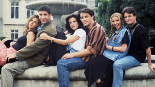 'Friends' Series Premiere Throwback Recap: The Five Best Jokes — and Two Lamest Ones