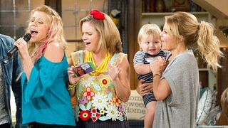 'Fuller House' Season 2 Trailer Teases Tanner Family Holiday Madness, New Kids on the Block and More!