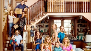 'Fuller House' Teaser Trailer Shows D.J.'s Kids, Tanner Family Moving In: Watch!