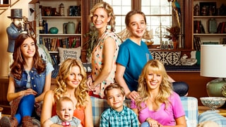 'Fuller House' Premiere Recap: The Gang Reunites as D.J. Gets Her Flirt On