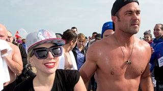 Lady Gaga and Taylor Kinney Take the Polar Plunge in Chicago: Photos