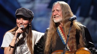 Flashback: See Shania Twain, Willie Nelson Sing 'Blue Eyes Crying'