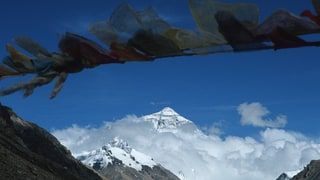 UPDATE: Four Climbers on Everest Found Dead Inside Their Tent (Or Not)