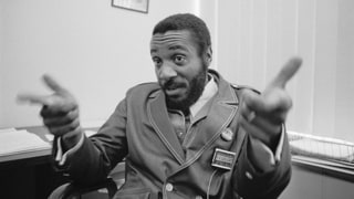 Dick Gregory, Comedian and Civil Rights Activist, Dead at 84