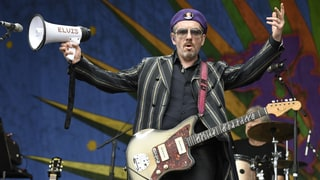 Elvis Costello Plots North American Summer Tour