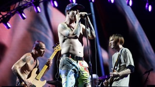 Red Hot Chili Peppers, Black Keys to Reissue on Vinyl for Charity