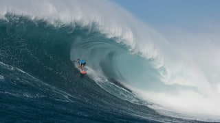 Pro Surfer Billy Kemper Reflects on Winning the Pe'ahi Challenge Two Years in a Row