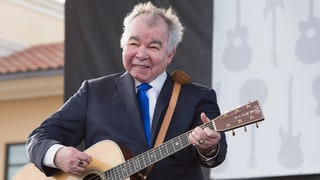 See John Prine Explain Why Johnny Cash Wanted to Rewrite 'Sam Stone'