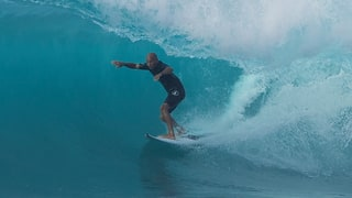 Kelly Slater Launches Final World Title Campaign at Volcom Pipe Pro