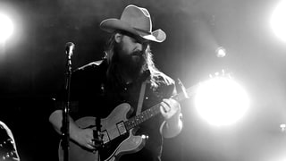 Chris Stapleton Teases Return to the Stage With Finger Photo