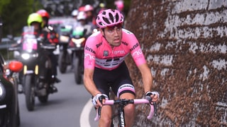 Nature Calls Mid-Race, Cyclist Still Leads Giro d'Italia