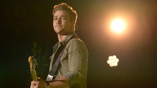 See Hunter Hayes Capture Live Show Energy in New 'Amen' Video