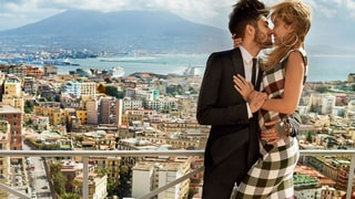 Gigi Hadid and Zayn Malik Kiss in Steamy Fashion Spread for 'Vogue'