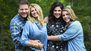 Hillary Scott and Linda Davis Share Family Secrets, Musical Memories