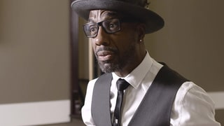 Watch JB Smoove Compare Working With Larry David to Playing Tee Ball