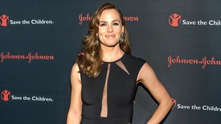 Jennifer Garner Makes Jaws Drop in a Cleavage-Baring Gown: See the Red Carpet Photos