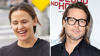 Jennifer Garner Jokes She's 'Dating' Brad Pitt After His Angelina Jolie Split: Watch