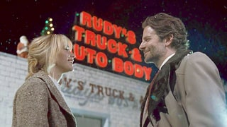 Joy Review: Jennifer Lawrence, Bradley Cooper 'Electrify' On Screen Together, Drama Gets 3 Out of 4 Stars