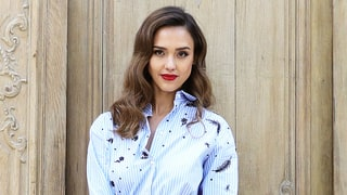 Jessica Alba Goes for the Bold in Two Red Looks for Paris Fashion Week 2016