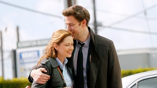 Jenna Fischer: Part of Me Was 'Genuinely in Love' With John Krasinski on 'The Office'