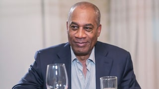 Scandal's Joe Morton Reads Fan Tweets About Himself — in His Frightening Papa Pope Voice!