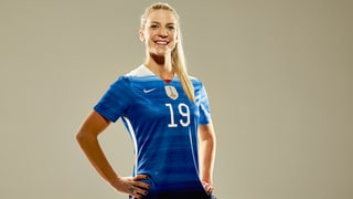 Olympians Julie Johnston, Daryl Homer Talk Selfie Etiquette