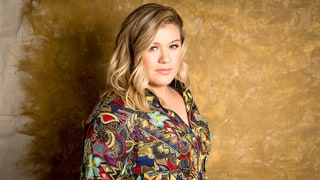 Kelly Clarkson on Struggling With Fame: 'I Was in a Very Dark Place for a Long Time'