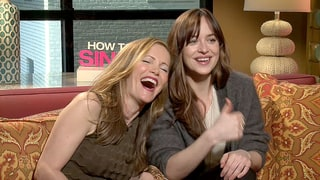 Dakota Johnson and Leslie Mann Shamelessly Hit On Reporter Mid-Interview: Watch!
