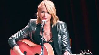 Miranda Lambert Says 'S---ty' 2015 'Damaged' Her: Watch Her Perform New Song 'Scars'