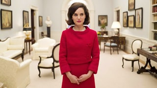 Natalie Portman Stuns as Jackie Kennedy in First Look From Biopic: See the Photo!