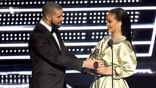 Drake Declares His Love for Rihanna While Presenting Her With the Video Vanguard Award at the 2016 MTV VMAs