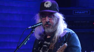 Watch Dinosaur Jr.'s Thundering 'Goin Down' on 'Conan'