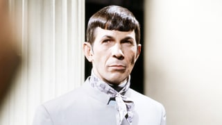 Flashback: Spock Sings 'The Ballad of Bilbo Baggins' in 1967