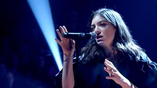 See Lorde Nail 'Green Light' Once Again With Intense Performance on 'Jools Holland'