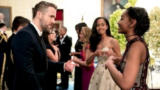 Malia Obama Gives Her Thumbs-Up as Sister Sasha Meets Ryan Reynolds: Pic