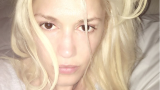 Gwen Stefani Looks Totally Different Without Lipstick