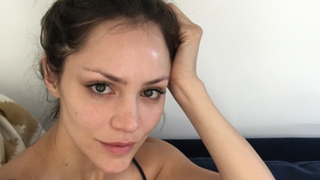 Here's Why Celebs Are Going Makeup-Free Right Now