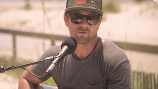 See Kip Moore's Acoustic 'Running for You' on a Florida Beach