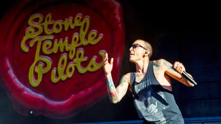Stone Temple Pilots Remember 'Beacon of Light and Hope' Chester Bennington