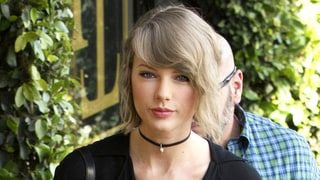 Taylor Swift Channels the '90s With a $2,185 Choker: All the Details