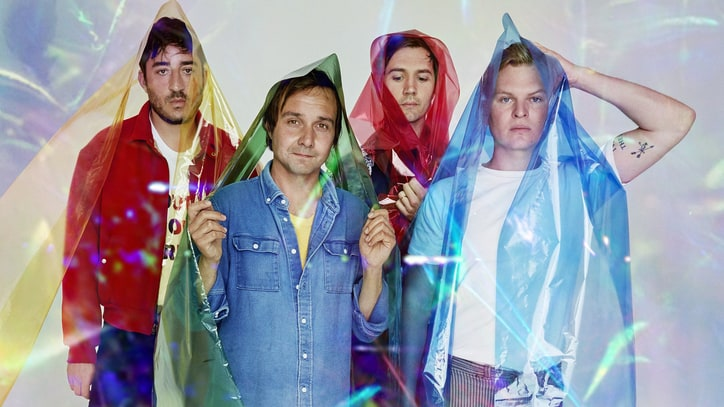 Review: Grizzly Bear End Hibernation and Engage the Pop Moment