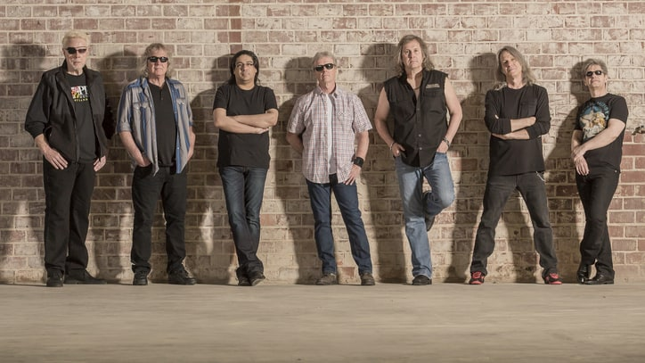 Kansas on Reviving 'Leftoverture,' Why Music Business Is 'Toast'