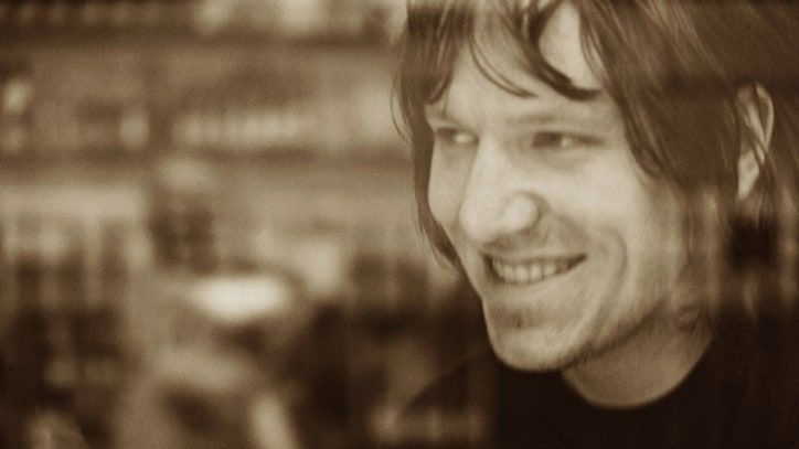 Hear Previously Unreleased Live Recording of Elliott Smith's 'Angeles'