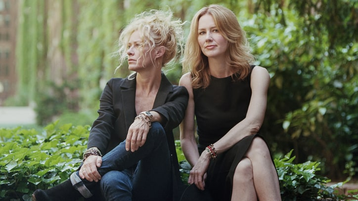 Hear Shelby Lynne, Allison Moorer's Soulful 'Every Time You Leave'