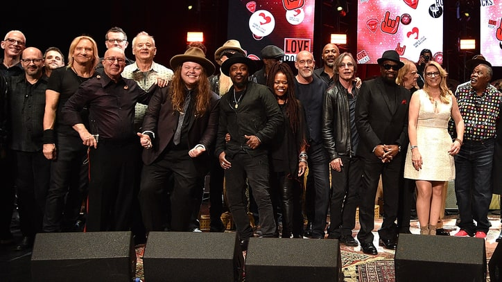 See Bill Murray, Joe Walsh Sing Beatles Classic at All-Star Benefit Show