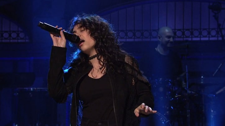 Watch Alessia Cara's Electrifying 'SNL' Debut