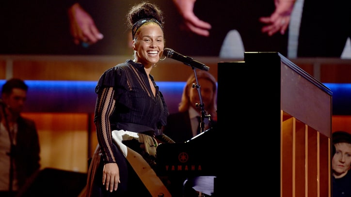 Hear Alicia Keys' Brooding Ballad 'Back to Life'