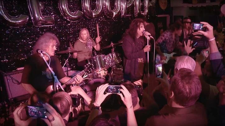 See Original Alice Cooper Band Perform Heavy 'I'm Eighteen'